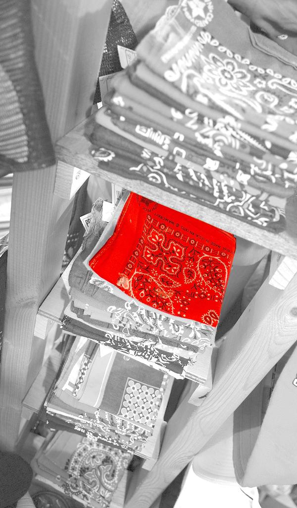 グレースケール赤画像@古着屋カチカチ02