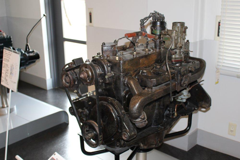 日産自動車横浜工場ゲストホールエンジン博物館 001