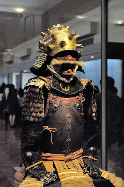 Nikon D2X 35mm f/2D 東京国立博物館 紅糸威二枚胴具足