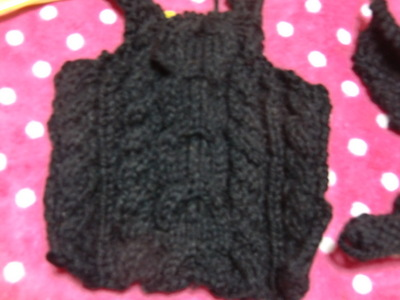 編み掛けのセーター