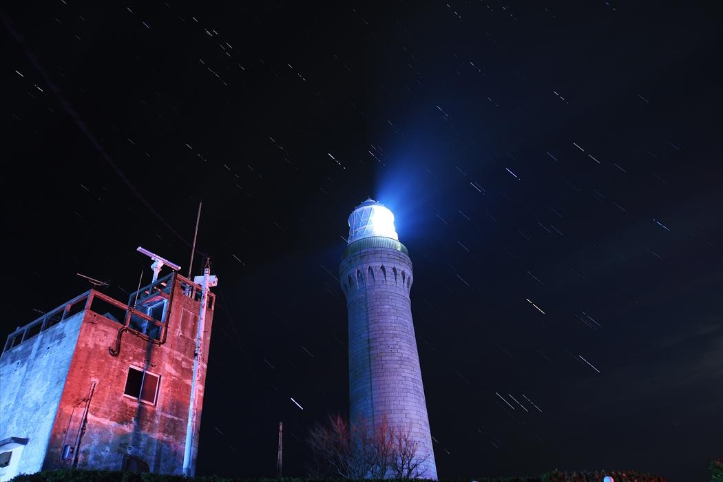 角島灯台ー7Dー星_R