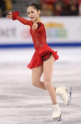 知子、手を広げ 綺麗な写真