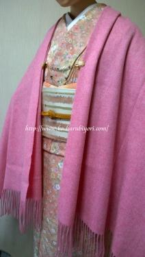 201604BUYERのカシミアストール(ピンク)とフェリシモのシェイプレット