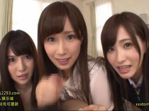 美痴女3姉妹が楽しそうにフェラ&手コキで大量射精させる!小島みなみ 天使もえ 葵