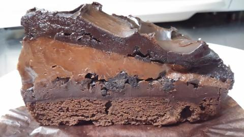 スタバチョコレートケーキ (3)