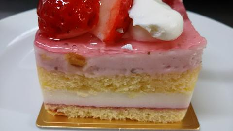アンテノール桜ケーキ (3)