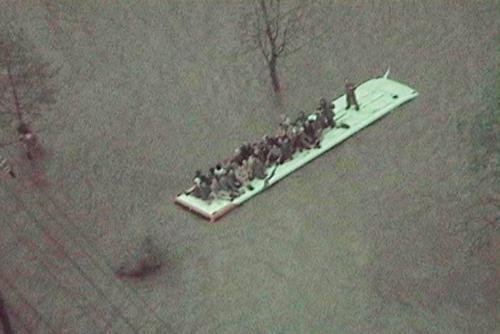 由良川で観光バスが水没 1266388196069