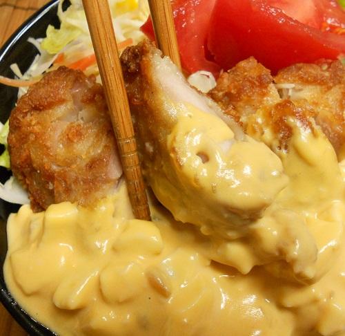オールコンビニ素材の和風チキン南蛮丼9