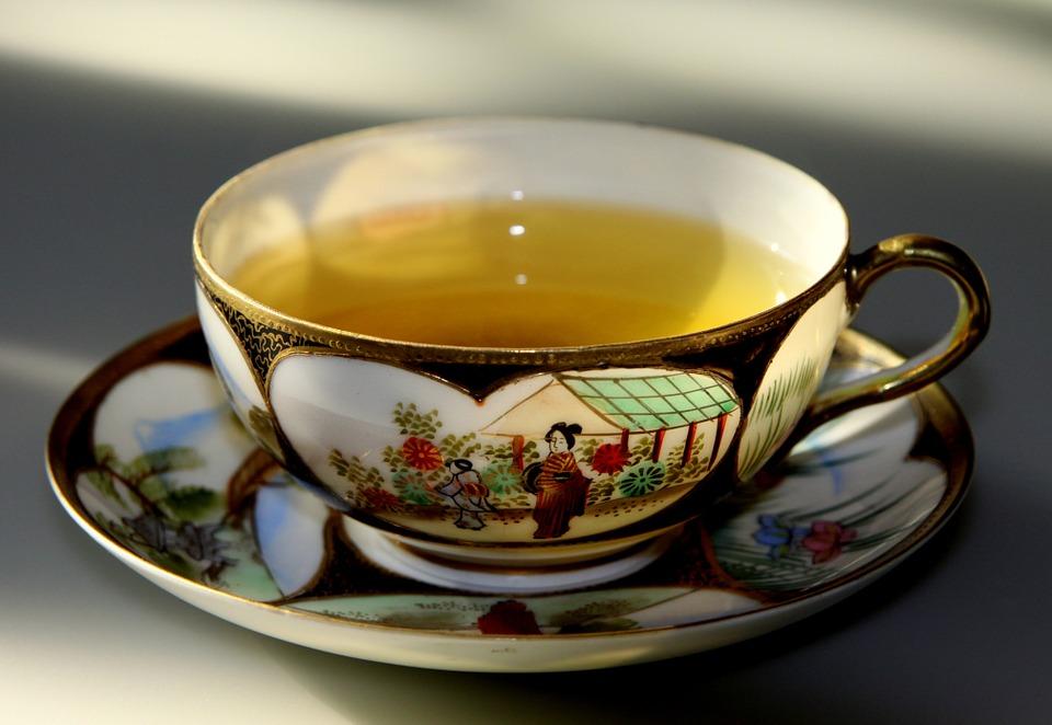 お茶のカップ日本