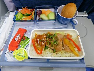 チャイナエアラインの機内食「豚丼」
