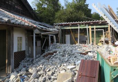 2015_10 23_母屋の隣りを解体・4