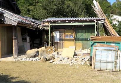 2015_11 04_母屋の隣りを解体・6