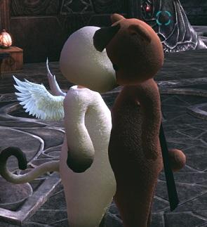 めり込む猫と熊