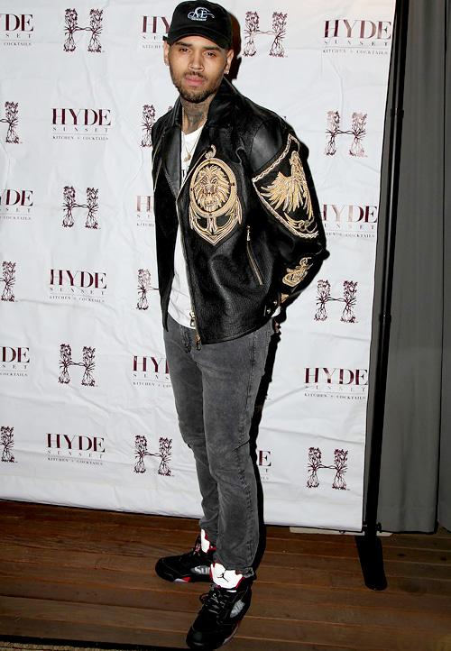 クリス・ブラウン(Chris Brown):バルマン(Balmain) x エイチアンドエム(H&M)シュプリーム(Supreme)×ナイキ(NIKE)アンドリューエメリー(Andre Emery)