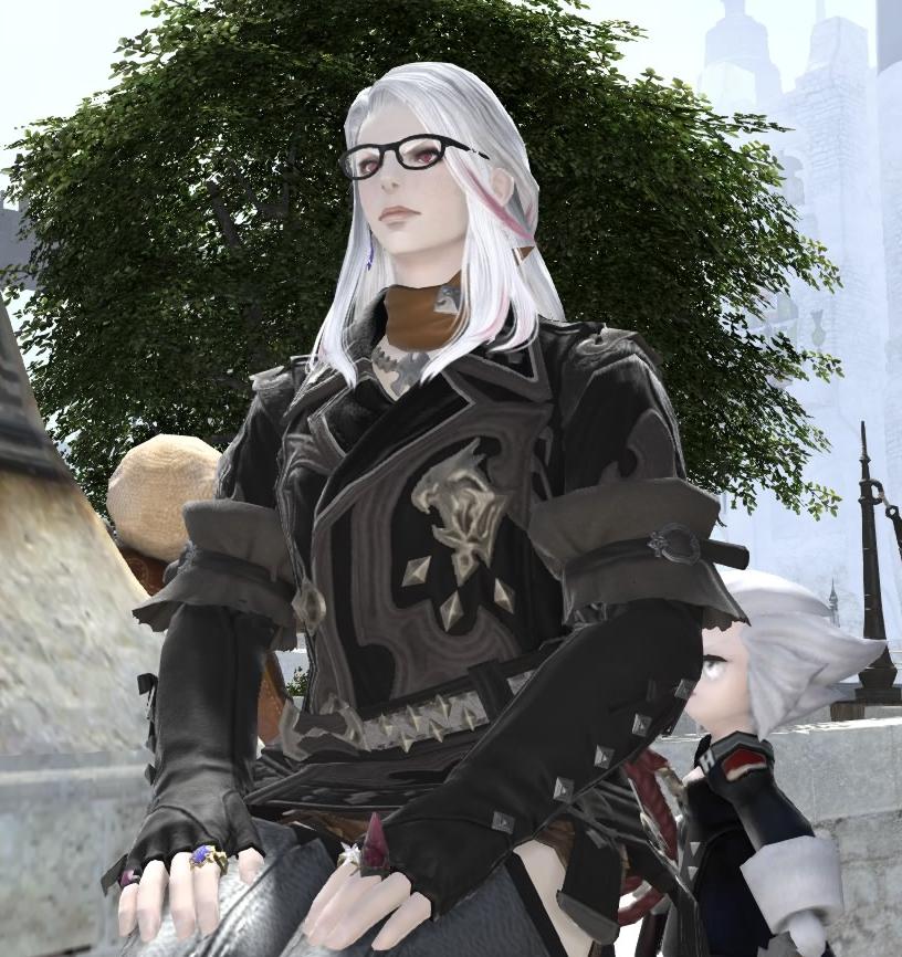 正座するメガネのルガ♀