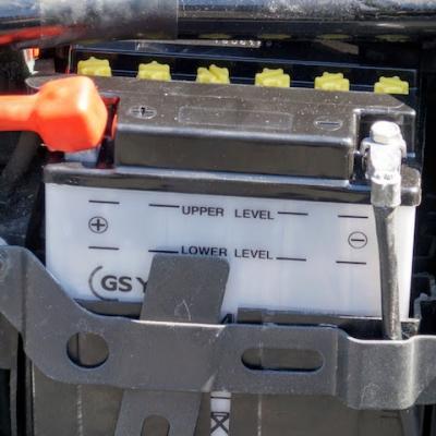 2輪のバッテリー交換