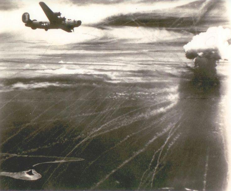 アンブロークンに掲載されたナウル島空襲の写真