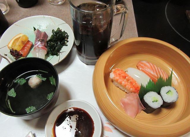 お寿司も美味しい 28.3.24