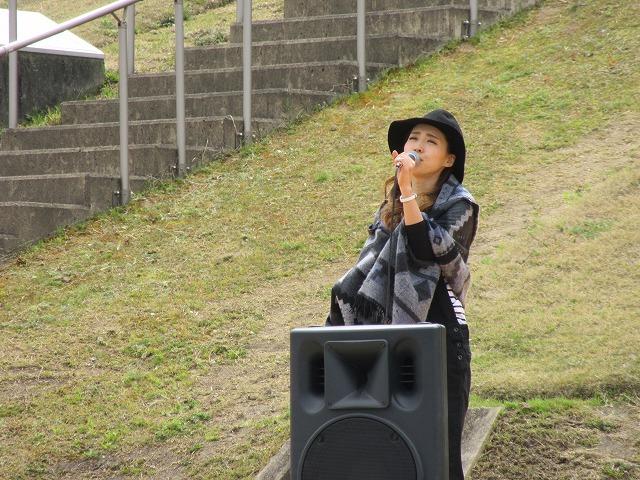 史跡公園全体に歌声が響いて 28.3.27