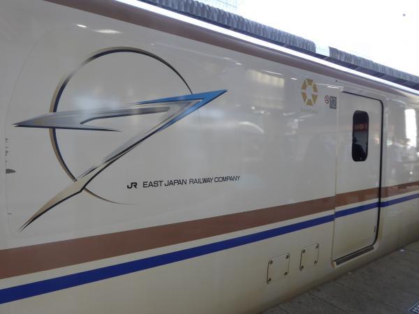 北陸新幹線かがやき2