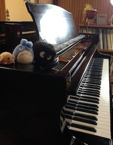 ピアノと仲間