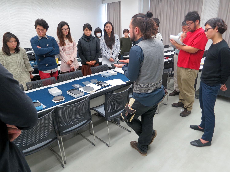 20151124 武蔵野美術大学 『硯と墨の世界』 講義風景 講師:遠藤夕幻