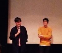 「フリーランス」ナワポン・タムロンラタナリット監督(左)と主演のサニー・スワンメーターノンさん。