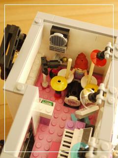 LEGOBeautySalon26.jpg