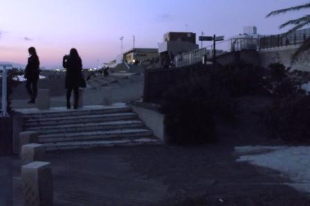 S 藤沢市片瀬海岸 漁港脇