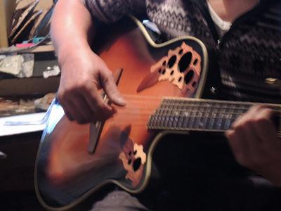 2佐藤国男さんのギター演奏DSCN8783