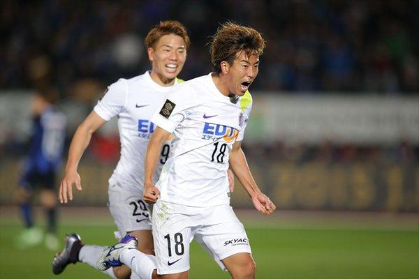 Kashiwa strike late as Sanfrecce beat Gamba in first leg of final