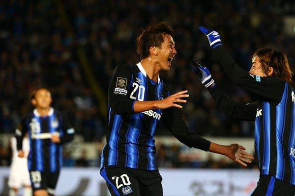 nagasawa_goal_against_hiroshima_at_cs_2015.jpg