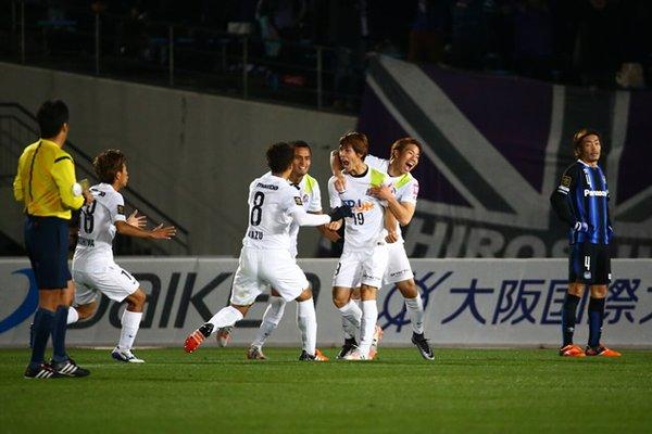 sasaki_goal_against_gambaosaka_at_cs_2015.jpg