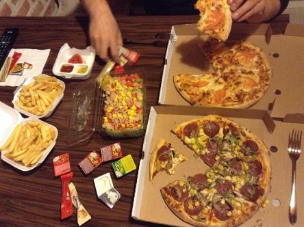 ピデじゃなくてピザ