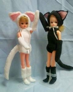 1、白猫・黒猫