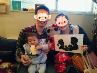 家族で切り絵と記念撮影