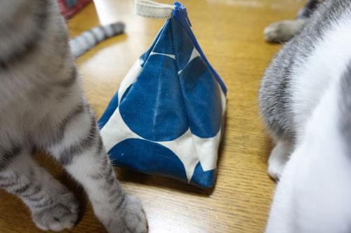 三角ポーチ2