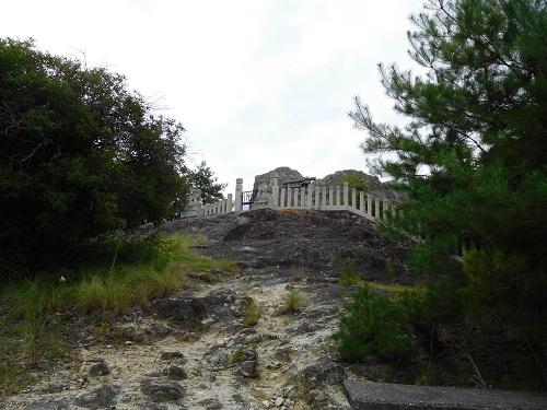 高岳神社磐座全景2