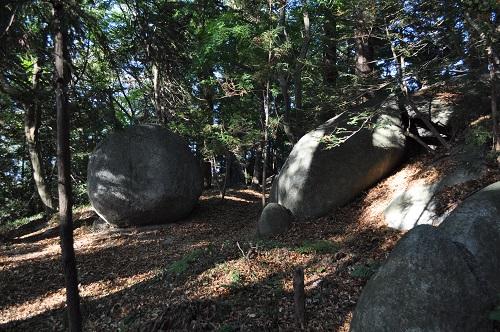 岩角山の散歩道