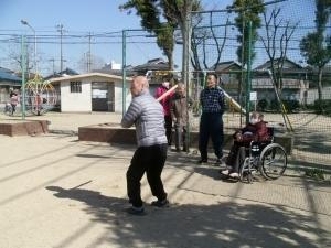 公園で野球