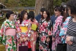 ①外国人の着物 P1100082