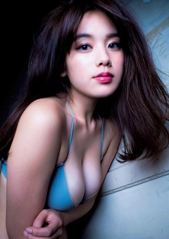 筧美和子 垂れ乳と噂のHカップ爆乳を水着グラビアで披露 画像40枚 1