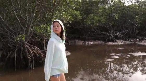 筧美和子 垂れ乳と噂のHカップ爆乳を水着グラビアで披露 画像40枚 24