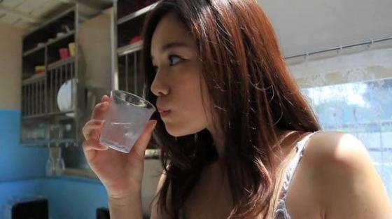 筧美和子 垂れ乳と噂のHカップ爆乳を水着グラビアで披露 画像40枚 32