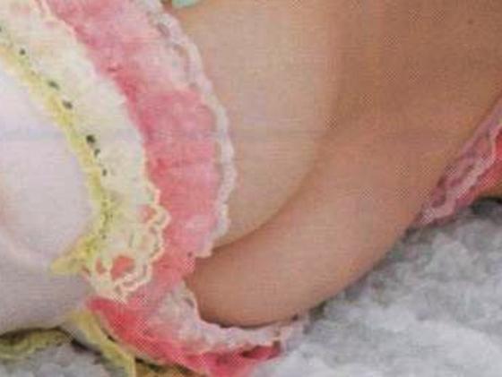 白間美瑠 乳輪チラした下着グラビアが公開されたアイドル 画像28枚 12