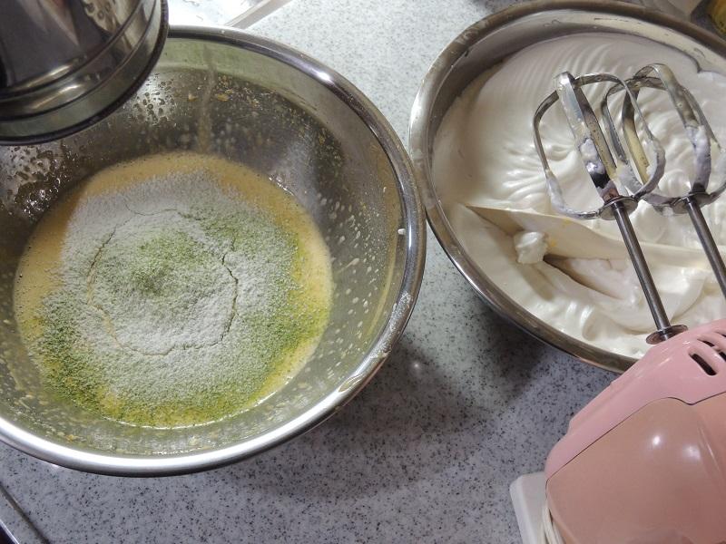 抹茶シホンケーキ作り その1