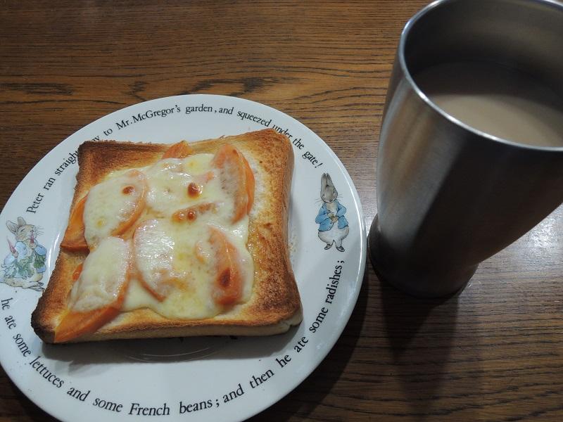 柿チーズトーストとコーヒー