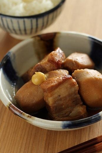 豚ばらと里芋の煮物