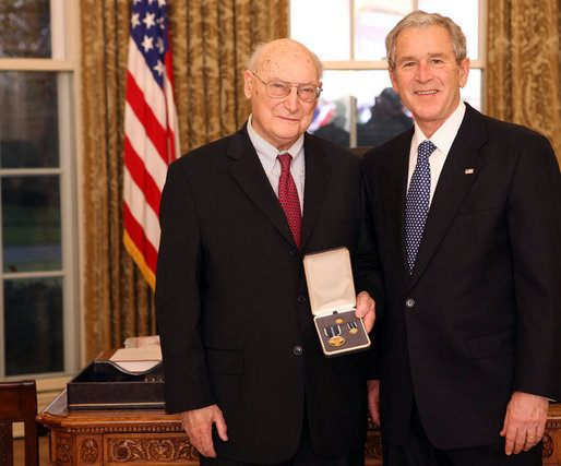 Andrew_Marshall_and_George_W_Bush_20081210.jpg