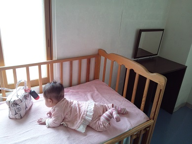 小樽水族館授乳室 ベビーベッド1